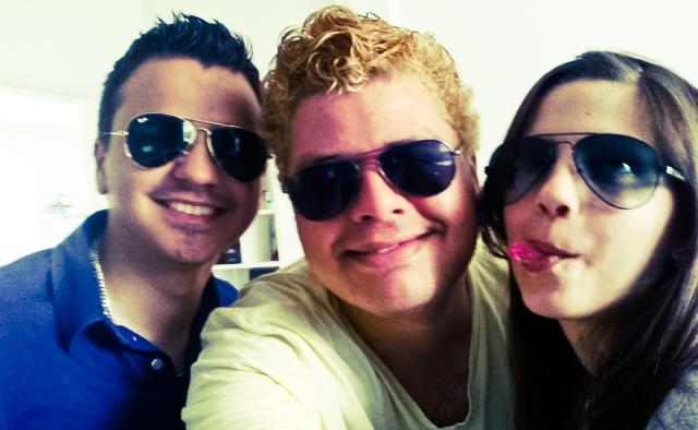 Luan, Eu e a Nat... com óculos me imitando.