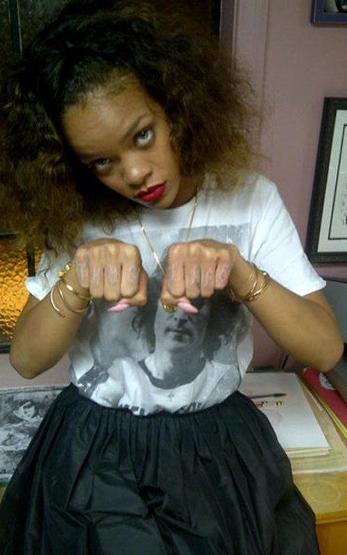 Rihanna Thug Life Stronda!