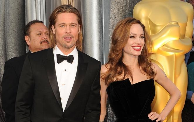 Brad Pitt e Angelina Jolie no tapete vermelho,
